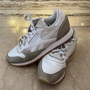 REEBOK Sneakers White Grey Size 39